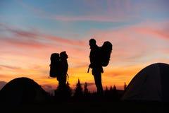 Пары в горах совместно Стоковая Фотография