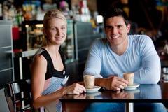 Пары в кафе Стоковые Изображения RF