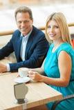 Пары в кофейне. Стоковое Изображение RF