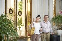 Пары в роскошной гостинице стоковое фото