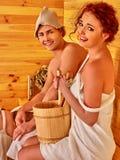 Пары в шляпе на сауне Стоковая Фотография RF