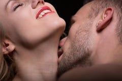 Пары в foreplay Стоковые Фотографии RF