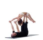 Пары гибких yogis, изолированные на белизне Стоковая Фотография RF