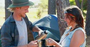 Пары деля кофе 4k сток-видео
