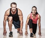 пары делая пригодность тренировки Стоковые Фотографии RF
