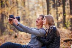 Пары делая selfie Стоковое Изображение