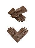 Пары изолированных перчаток Брайна кожаных Стоковая Фотография