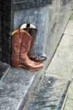 Пары кожаных ботинок ковбоя стоковые фото