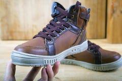 Пары коричневых тапок с шнурками Стоковое Изображение RF