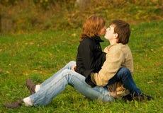 пары любят детенышей Стоковая Фотография RF