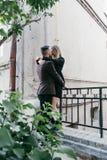 Пары молодой красивой моды любящие Стоковое Изображение RF