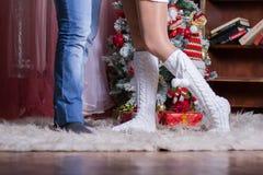 Пары мужских и женских ног Стоковые Изображения