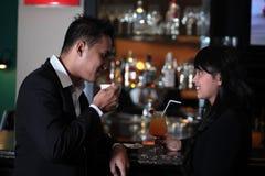 Пары на баре Стоковое фото RF