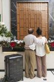 Пары на приеме гостиницы стоковое изображение