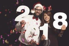 Пары на ` s Eve Нового Года party Стоковые Изображения RF