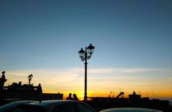 Пары под уличным фонарем Стоковое фото RF