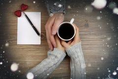 Пары предпосылки кофе руки Стоковая Фотография RF