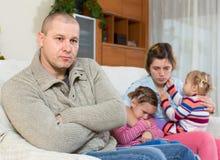 Пары при дети имея конфликт Стоковые Изображения