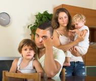 Пары при дети имея ссору Стоковое фото RF