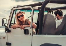 Пары путешествуя автомобилем Стоковые Фото