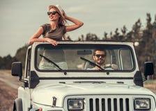 Пары путешествуя автомобилем Стоковые Изображения RF