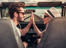 Пары путешествуя автомобилем Стоковое Изображение RF