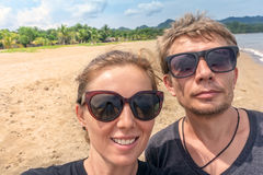 Пары путешествуя selfie Стоковое Изображение