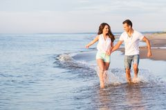 пары пляжа красивейшие Стоковые Фотографии RF