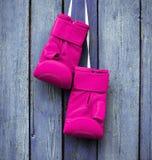 Пары розовых перчаток для kickboxing Стоковое Изображение RF