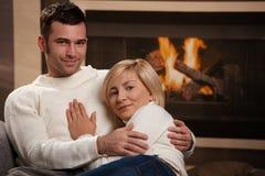 пары самонаводят обнимать стоковое изображение rf