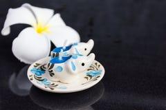 Пары симпатичной мини свечи покрасили картину слона Стоковое фото RF