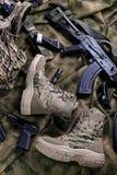 Пары современной воинской обуви Стоковая Фотография RF