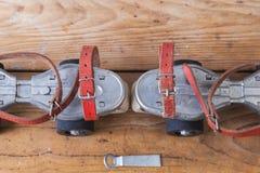 Пары старых коньков Стоковые Фотографии RF