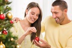 Пары счастливого Кристмас Стоковая Фотография RF