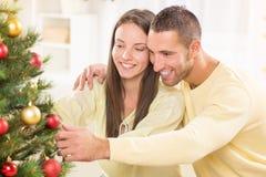 Пары счастливого Кристмас Стоковые Фото