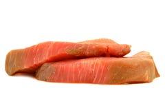 Пары сырцовой студии стейков мяса тунца изолированной над белой предпосылкой Стоковая Фотография