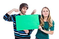 Пары с зеленой доской Стоковые Изображения RF
