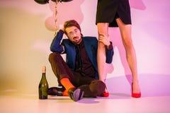 Пары с шампанским и воздушными шарами Стоковое фото RF