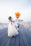 Пары человека и женщины в костюме венчания Стоковое Фото