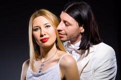 Пары человека и женщины в влюбленности Стоковые Фотографии RF