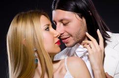 Пары человека и женщины в влюбленности Стоковые Фото