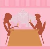 пары шампанского выпивают детенышей Стоковые Изображения