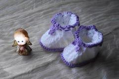 Пары bootees для newborn Стоковая Фотография