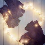 2 пары mittens сделанных из шерстей Стоковое фото RF