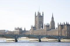 Парламент Великобритании и мост Вестминстера; Лондон Стоковые Фото