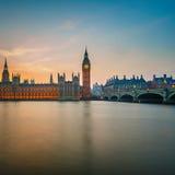 Парламент Великобритании на ноче, Лондон Стоковые Изображения