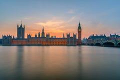 Парламент Великобритании на ноче, Лондон Стоковое Изображение