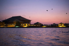 Парламент Шри-Ланки в сумерк стоковая фотография rf