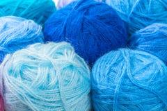 Пасма шерстей сини и бирюзы потока Стоковая Фотография RF