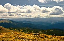 пасмурная долина горы дня Стоковая Фотография
